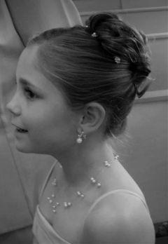 wapblackandwhiteportrait black & white cute photography bridalbouquet