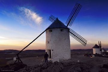 photography travel spain consuegra windmills