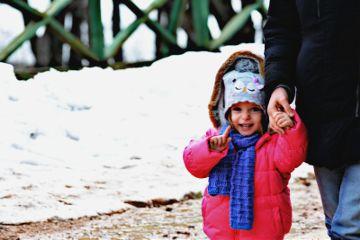 baby snow photography bokeh